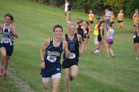 Boys' Cross Country wins Lucky Lindy race for the third straight time