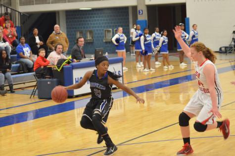 Girls basketball defeats Eagles on senior night
