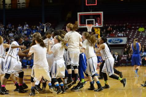 Royal-ty reigns again as girls basketball wins state championship