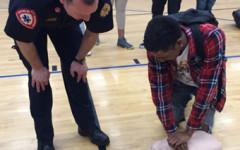 Seniors participate in CPR training