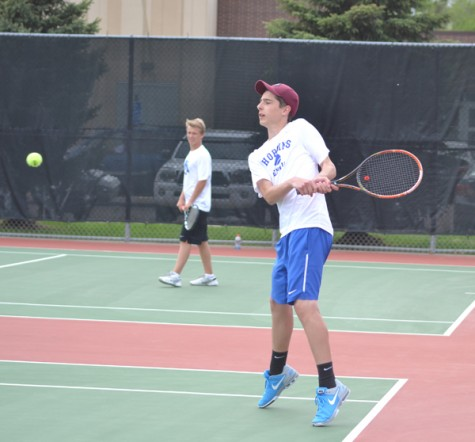 Boys tennis season ends in sections loss to Wayzata
