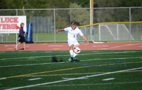 Boys soccer suffers first loss against Tonka