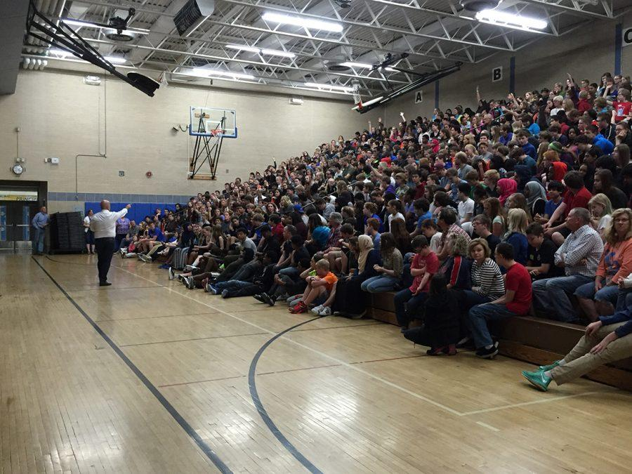 "WJH welcomes ""Bizarre Foods"" host Zimmern"
