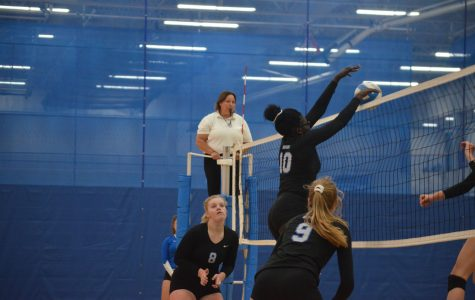 Royals volleyball improves to 6-0 after defeating Wayzata