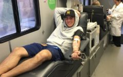 Students donate blood to Memorial Hospital