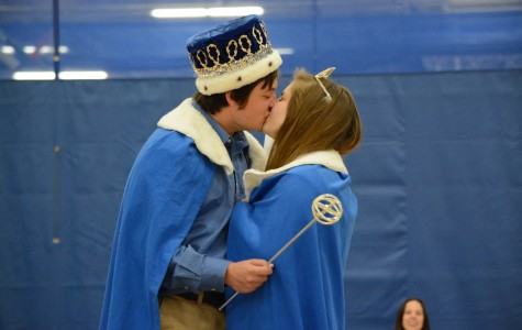 Oakes and Jenny win homecoming court vote