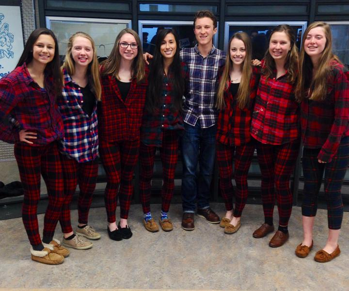 The+state+qualifiers+pose+in+their+all-plaid+spirit+the+day+before+the+race.