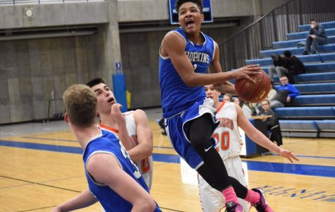 Boys basketball looks to retake the throne after losing last year in the section finals
