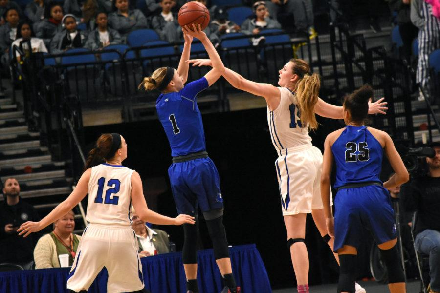Paige+Bueckers%2C+sophomore%2C+goes+up+for+a+basket+while+being+guarded+by+a+Minnetonka+player.