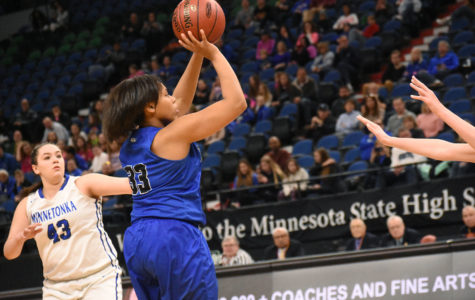 Royals survive and advance; face Elks in finals