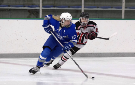 Girls hockey pulls away in a nail-biter and improves to 6-1 on the season