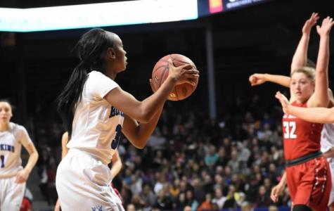 Girls basketball looks to take down 15-0 Trojans