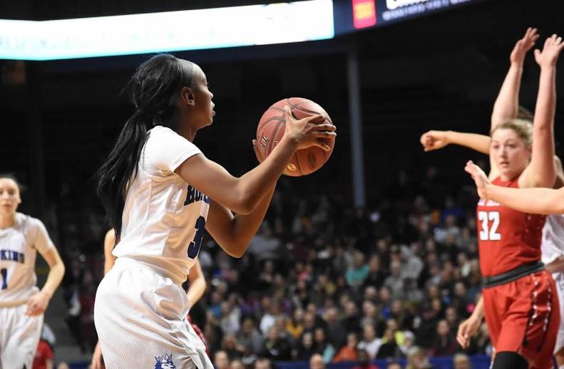 Girls+basketball+looks+to+take+down+15-0+Trojans