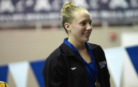 Girls swimming state preview