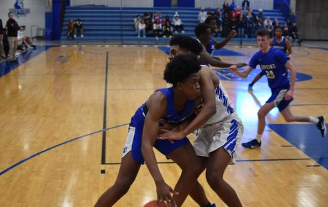 Boys basketball play host to Skippers in blue blood battle